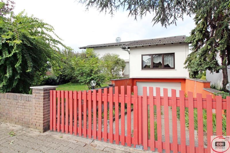 Freistehendes Einfamilienhaus mit Garten in ruhiger Lage von Stockstadt