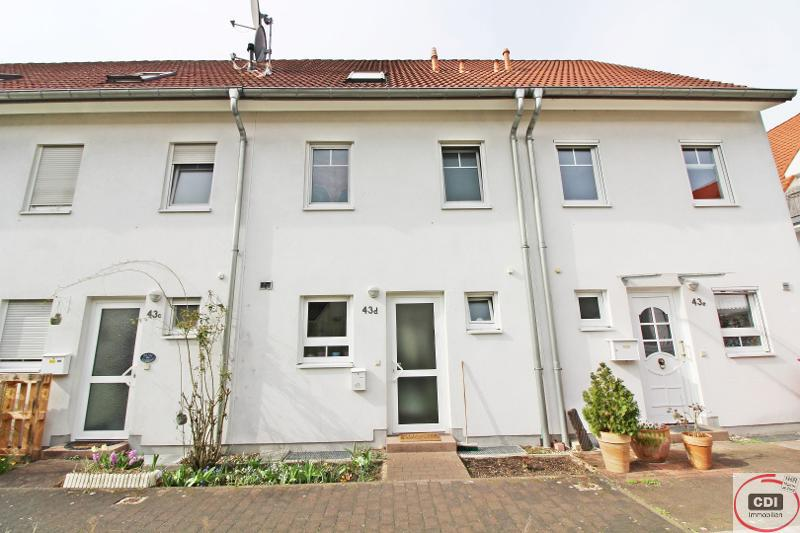 Solides Reihenmittelhaus mit Garten in Griesheim