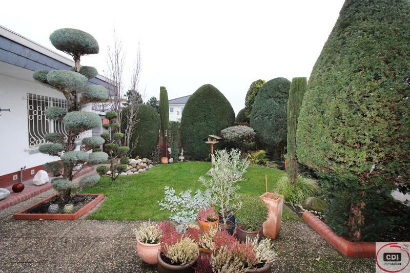 Solider Winkelbungalow mit Garten in guter Wohnlage von Gernsheim